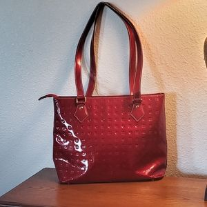 ARCADIA RED PATENT LEATHER EMBROSSED BAG